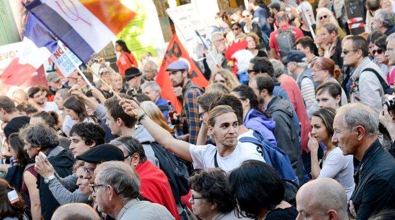 Le peuple dans la rue