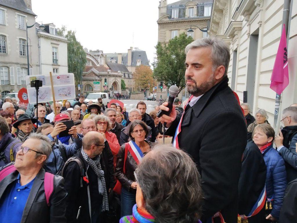 Intervention d'alexis corbière lors du rassemblement à Rennes en soutien de Daniel Clueff