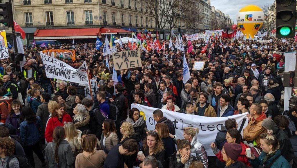 Manifestation 17 décembre Paris 7